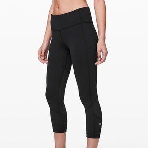 Lululemon black cropped rival pace legging pockets